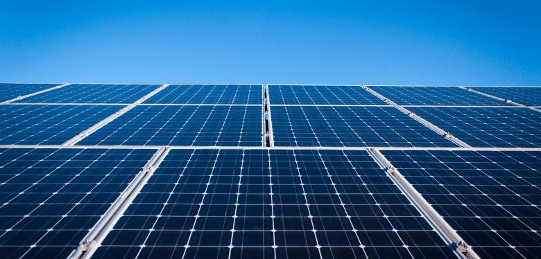 l'inclinaison et l'orientation des panneaux solaires
