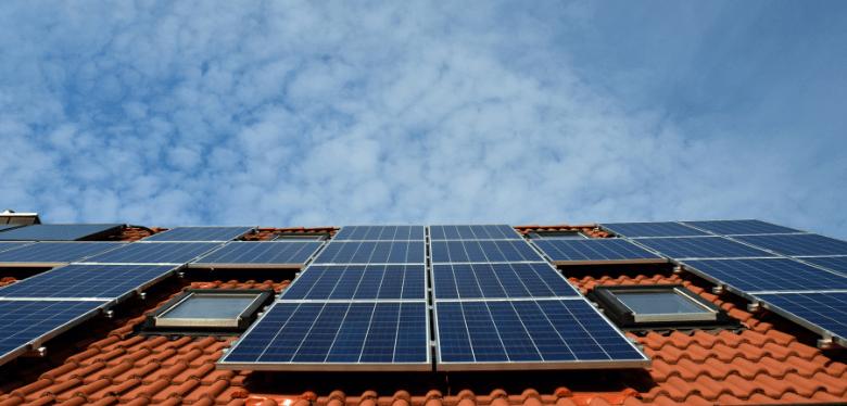 matériels pour investir dans les panneaux solaires